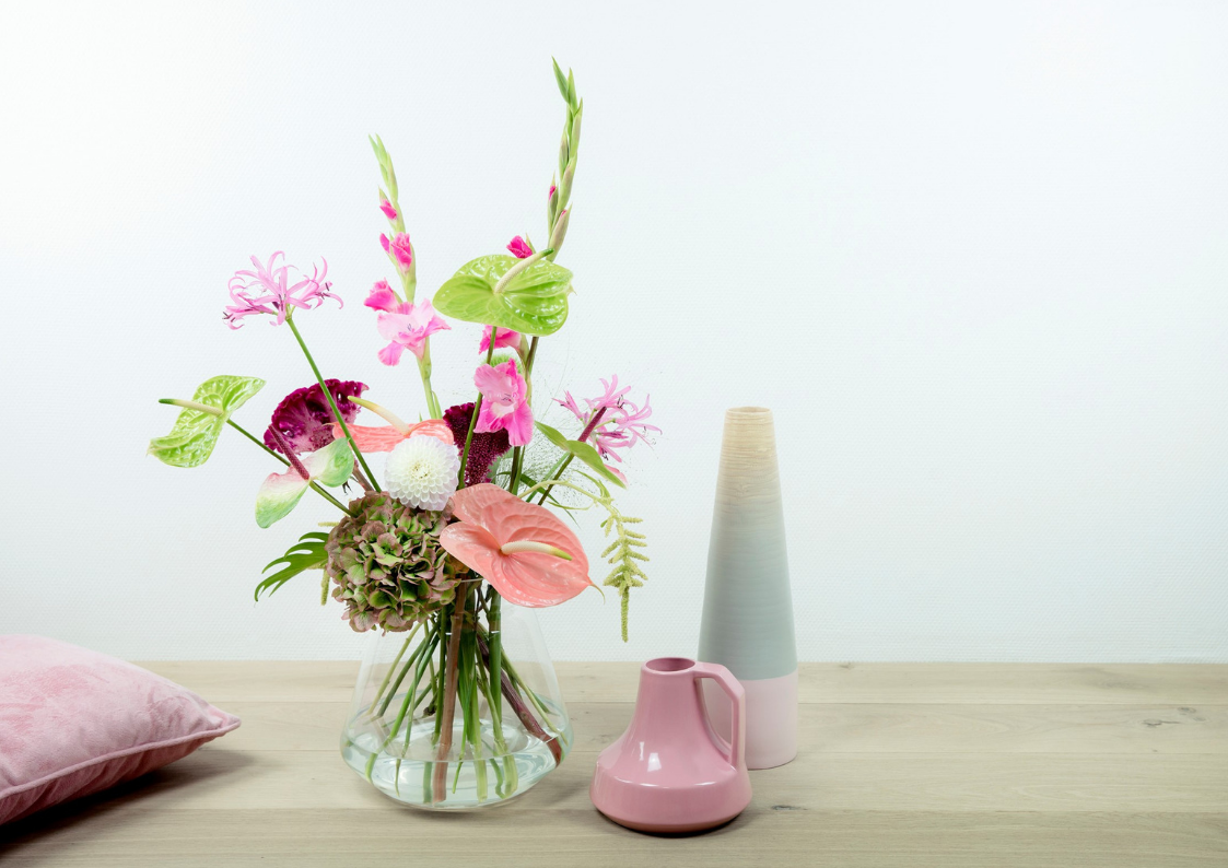 Flower arranging using Anthurium flowers: 3 ideas