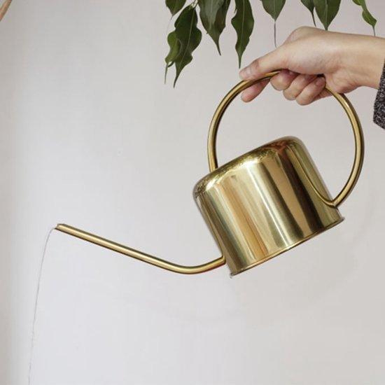 5 beaux arrosoirs qui donnent envie de donner de l'eau à ses plantes