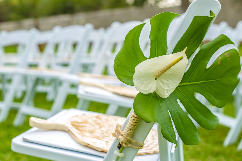 Stuhldekoration Hochzeit anthurium Blumen