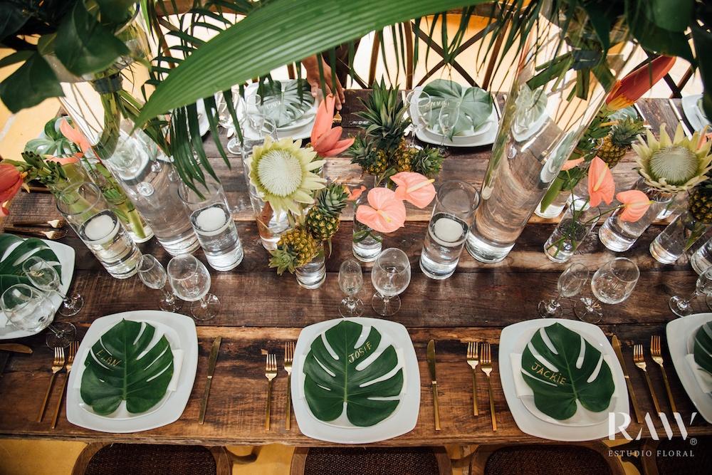Tropical wedding decoration decoratie with anthurium flowers